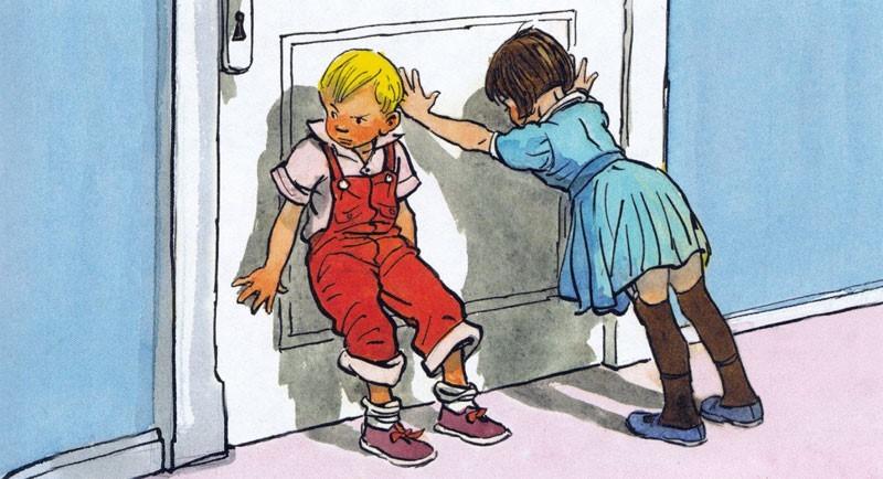 Петя и Валя держат дверь